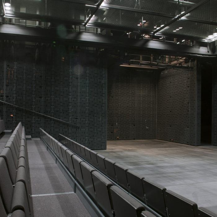 064-Musiikkitalo-black-box-f-Arno-de-la-Chapelle-8121
